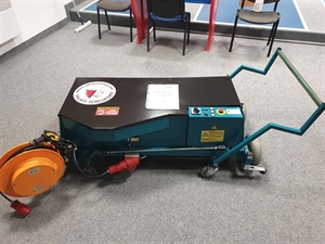 VOLLMER POLIMAT használt tekepálya tisztító és polírozógép képe